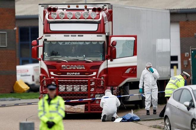 Bộ trưởng Bộ Công an Tô Lâm: Việc công bố danh tính 39 người chết trong container còn phụ thuộc vào phía Anh ảnh 1