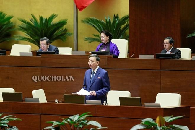 Bộ trưởng Bộ Công an Tô Lâm phát biểu trước Quốc hội