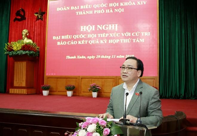 Bí thư Thành ủy Hoàng Trung Hải phát biểu tại buổi tiếp xúc cử tri