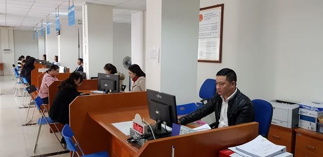 Lượng người đến làm các thủ tục về thuế tại bộ phận một cửa, Cục Thuế Hà Nội chưa nhiều