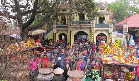 Chính phủ chỉ đạo hạn chế tập trung đông người; các tỉnh đã công bố dịch dừng tất cả lễ hội