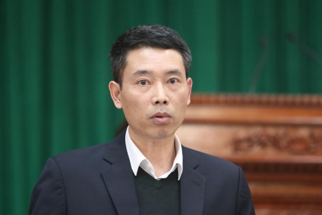 Phó Chủ tịch UBND quận Hà Đông Nguyễn Quang Ngọc trả lời báo chí