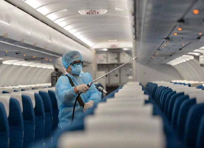 Thêm một hành khách trên chuyến bay VN0054 dương tính với nCoV