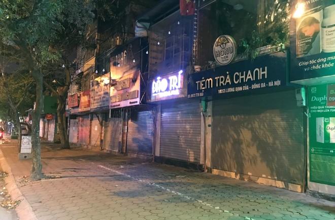 Các hàng quán giải khát, dịch vụ giải trí đều chấp hành tạm thời đóng cửa