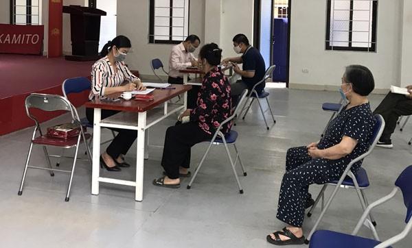 Quận Thanh Xuân triển khai hỗ trợ người dân gặp khó khăn do đại dịch Covid-19