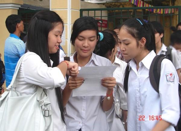Tổ chức cho học sinh ôn thi THPT quốc gia trên tinh thần tự nguyện ảnh 1