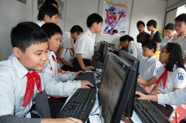 Hà Nội giảm tải tuyển sinh đầu cấp bằng đăng ký trực tuyến