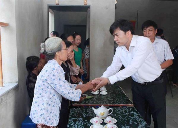 Đại diện Bộ GD-ĐT chia sẻ mất mát với gia đình nữ sinh Trần Thị Thu Hà