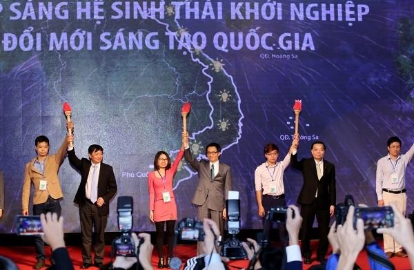 """Lãnh đạo Chính phủ """"tiếp lửa"""" cho phong trào khởi nghiệp đổi mới sáng tạo Việt Nam"""