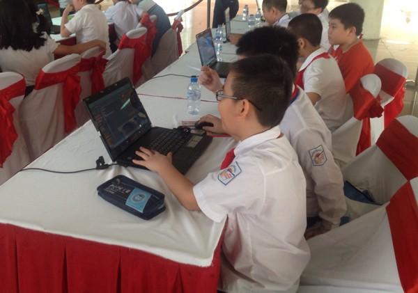 Nhiều tranh cãi xung quanh các cuộc thi qua mạng trong trường học