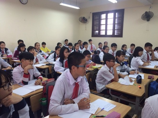 Nhiều học sinh thích học tiếng Anh liên kết hơn chính khoá