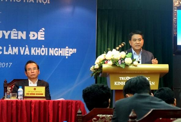 Chủ tịch UBND TP Nguyễn Đức Chung giải đáp 17 vấn đề cử tri phản ánh tại Hội nghị