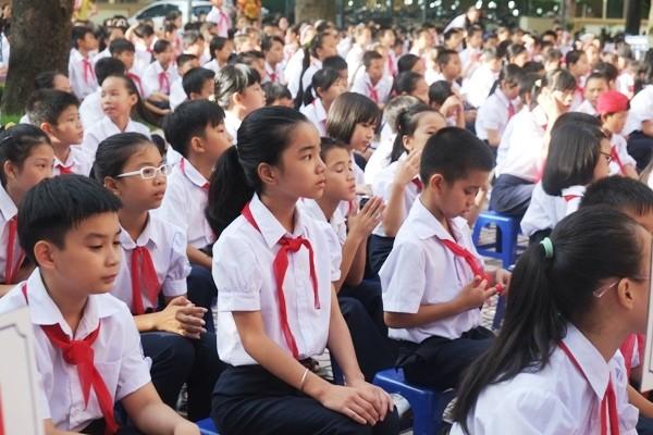 Lãnh đạo UBND TP Hà Nội khẳng định sẽ rà soát, xử lý kỷ luật để chấn chỉnh lạm thu trong trường học