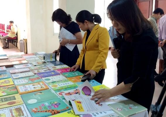 Bộ GD-ĐT đính chính việc cấm dạy nội dung ngoài sách giáo khoa trong văn bản mới