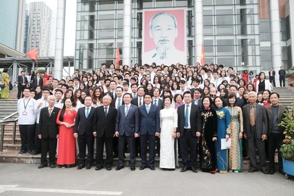 Trường THPT chuyên Hà Nội-Amsterdam nhận được sự quan tâm của lãnh đạo Đảng, Nhà nước và thành phố với vị trí dẫn đầu về đào tạo mũi nhọn