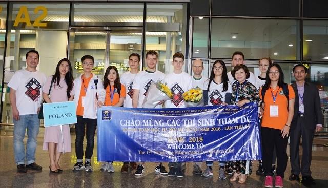 Cuộc thi Toán học Hà Nội mở rộng HOMC lần đầu tiên tổ chức cho gần 10 đội tuyển quốc tế