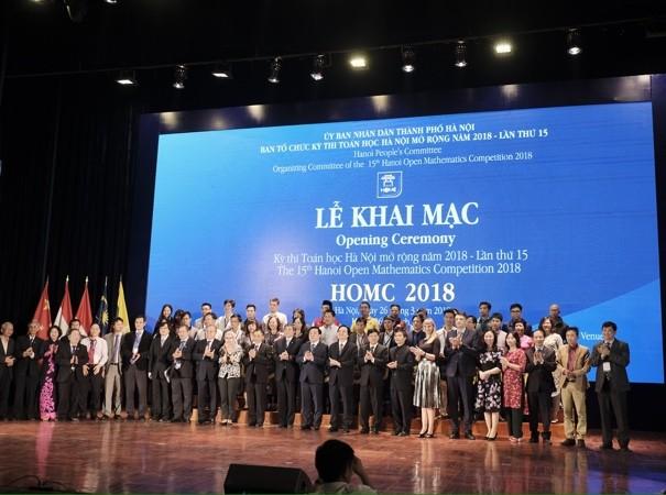 Gần 500 thí sinh quốc tế và trong nước có mặt tại lễ khai mạc cuộc thi HOMC 2018 tại Hà Nội