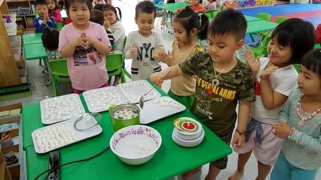 Phụ huynh mong muốn con mình được dạy nhiều hơn các kỹ năng sống bên cạnh học kiến thức văn hóa
