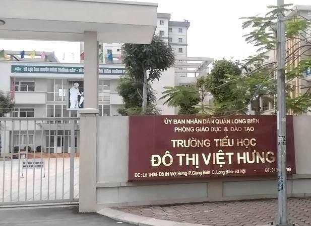 Trường tiểu học Đô thị Việt Hưng phải kiểm điểm về các khoản thu trái quy định ngay đầu năm học mới