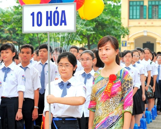 Nhiều học sinh lớp 9 bận bù đầu với lịch học thêm kín tuần