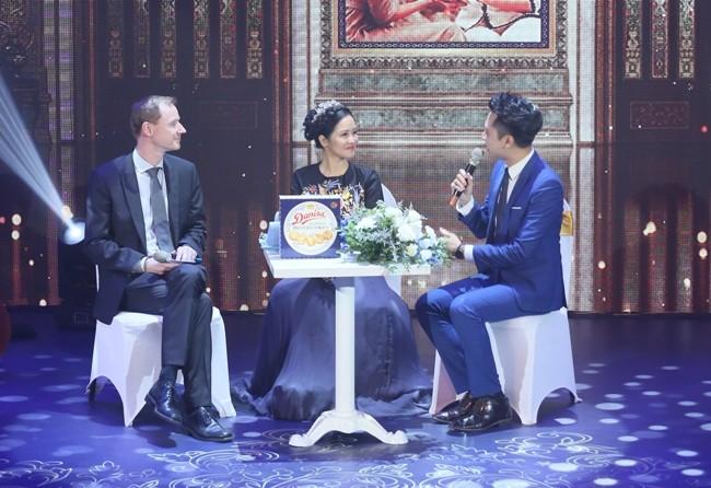 Ca sĩ Hồng Nhung hồi tưởng câu chuyện thầy trò với Tham tán thương mại Đại sứ quán Đan Mạch tại Việt Nam