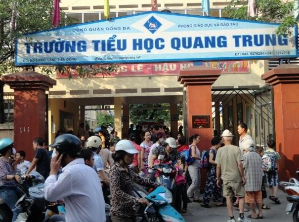 Sở GD-ĐT Hà Nội yêu cầu đình chỉ giáo viên tiểu học Quang Trung, Đống Đa cho bạn tát học sinh 50 cái