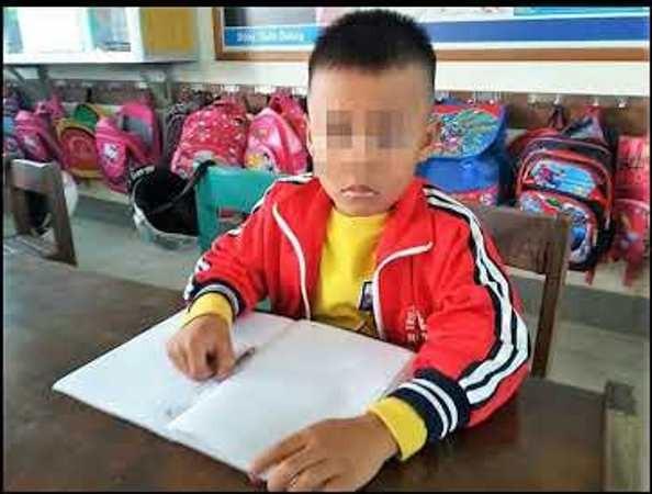 Em Trương Ngọc Hải đang được theo dõi sức khỏe sau khi bị cô giáo tát chảy máu tai