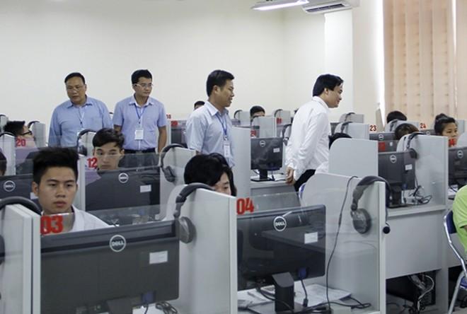Nhiều tranh luận quanh phương án đổi mới thi THPT quốc gia trên máy tính