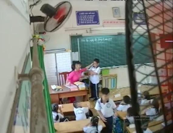 Cô giáo N.H.H đã chính thức nhận lỗi trước sức ép dư luận về hành vi đánh mắng học sinh