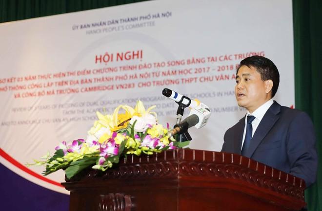 Chủ tịch UBND TP Hà Nội Nguyễn Đức Chung yêu cầu xem xét tiếp tục mở rộng đào tạo song bằng trong trường phổ thông