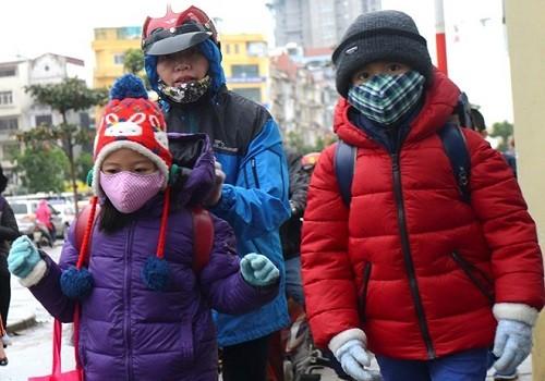 Hà Nội yêu cầu các trường ngay lập tức vệ sinh phòng bệnh để phòng dịch viêm phổi do virus corona gây ra ngay khi học sinh đi học trở lại sau dịp nghỉ Tết