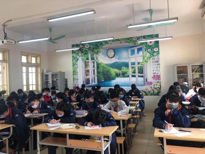Bộ trưởng Bộ GD-ĐT xin ý kiến Chính phủ cho học sinh 3 tỉnh nghỉ học phòng Corona ảnh 1