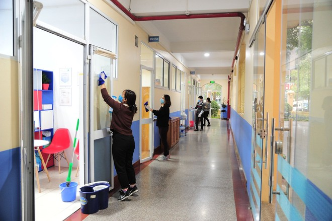 Trường Nguyễn Siêu dành 1 ngày để tổng vệ sinh toàn trường