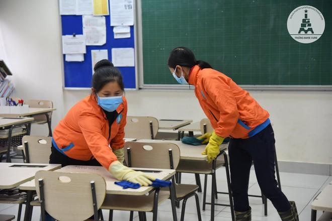 Nhiều trường đều tăng cường vệ sinh trường lớp đón học sinh đi học đầu tuần tới