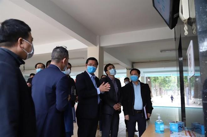 Bộ GD-ĐT kiểm tra công tác phòng dịch nCoV của một số trường đại học ở Hà Nội