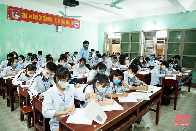 Học sinh nhiều tỉnh thành bắt đầu ổn định học tập trở lại sau nhiều tuần nghỉ học vì Covid-19