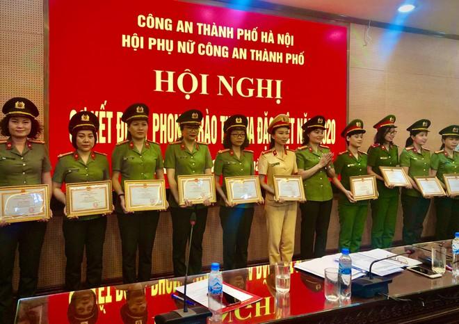 Hội Phụ nữ CATP Hà Nội sơ kết đợt 1 phong trào thi đua đặc biệt năm 2020