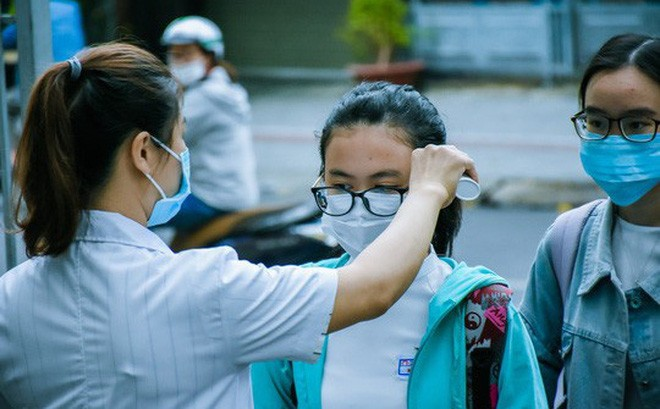 Bộ GD-ĐT chọn tổ chức kỳ thi tốt nghiệp THPT thành 2 đợt