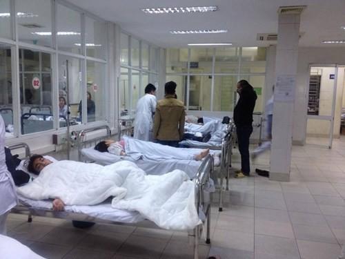 Có 20 bệnh nhân được đưa vào cấp cứu tại Bệnh viện 198 tối 24-3 do ngạt khí