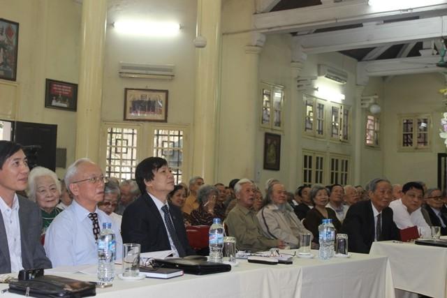 Hội viên Câu lạc bộ Thăng Long tán thành với những chia sẻ của Bí thư Thành uỷ Phạm Quang Nghị