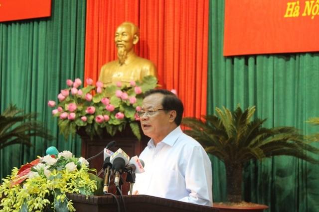 Bí thư Thành ủy Phạm Quang Nghị phát biểu chỉ đạo tại hội nghị sáng 7-4