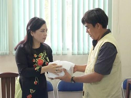 Bộ trưởng Bộ Y tế chia buồn với gia đình điều dưỡng Võ Văn Đấu (ảnh internet)