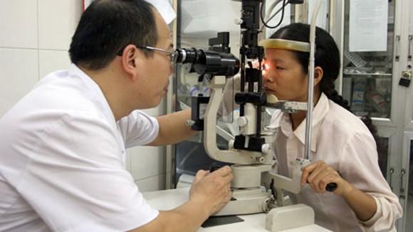 Khám chữa bệnh ở Bệnh viện Mắt Trung ương