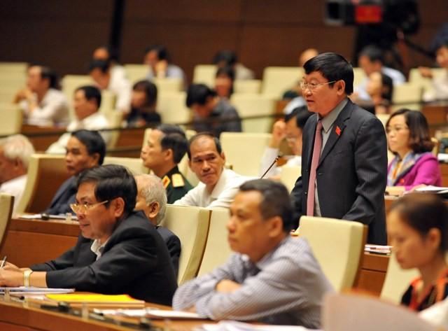 """ĐB Lê Như Tiến lo ngại quan chức chạy đua """"chuyến tàu vét"""" trước khi """"hạ cánh"""""""