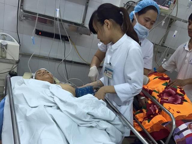 Cấp cứu, điều trị bệnh nhân tai nạn (ảnh minh họa)