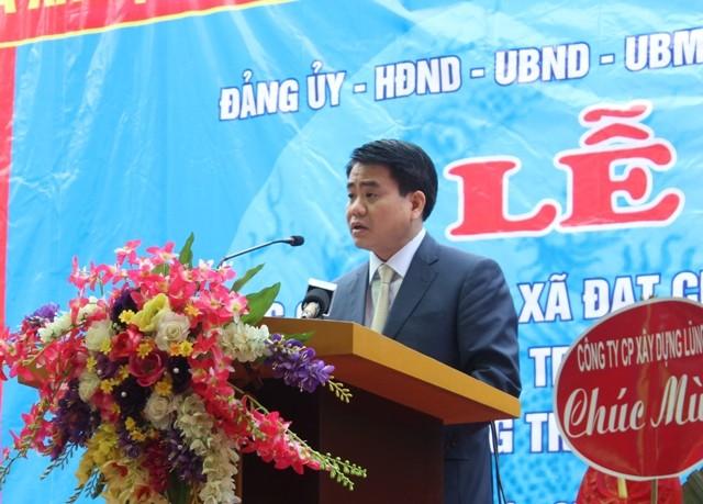 Chủ tịch UBND TP Hà Nội Nguyễn Đức Chung trao Bằng công nhận cho xã Bát Tràng ảnh 2