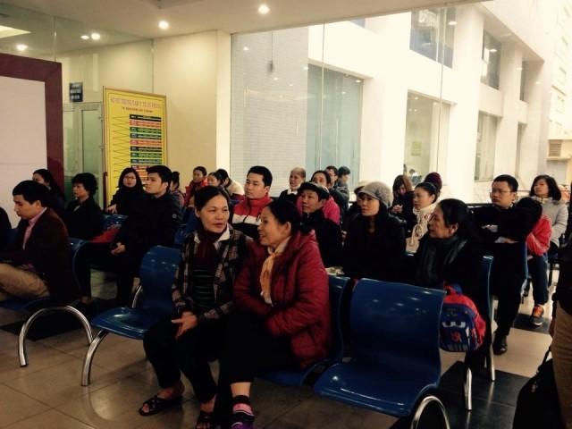 Hà Nội: Không chen lấn trong ngày đầu tiêm vaccine Pentaxim ảnh 1