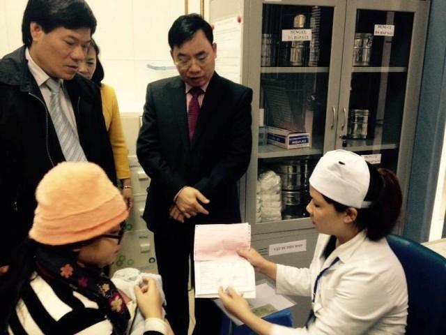 Hà Nội: Không chen lấn trong ngày đầu tiêm vaccine Pentaxim ảnh 2