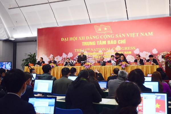 Toàn cảnh phiên họp báo do Tổng Bí thư Nguyễn Phú Trọng chủ trì
