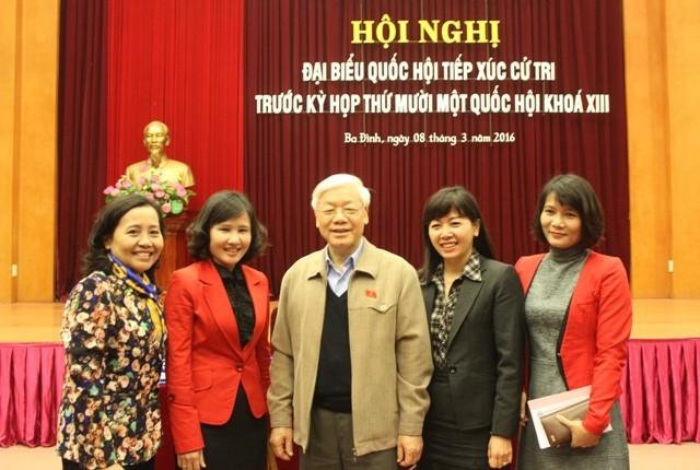 Tổng Bí thư Nguyễn Phú Trọng tiếp xúc cử tri Hà Nội sáng nay, 8-3